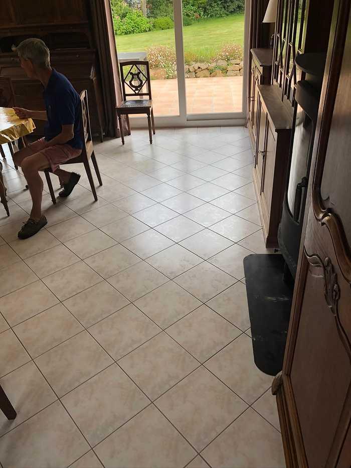 Rénovation du sol en PVC 875726257265535412082374767806834096472064n