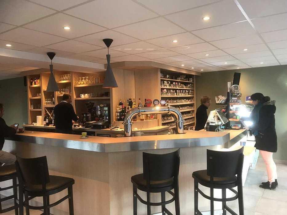 Travaux de modernisation pour ce Bar / Tabac - Pléhédel (22) 52717029368362217090508269128874174971904n